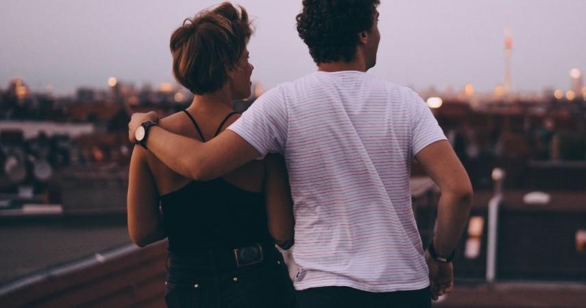 Pria dan Wanita Dapat Bersahabat Jika Keduanya Bisa Profesional
